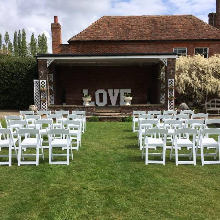 Summerhouse wedding